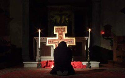 «POR TU SANTA CRUZ REDIMISTE AL MUNDO»